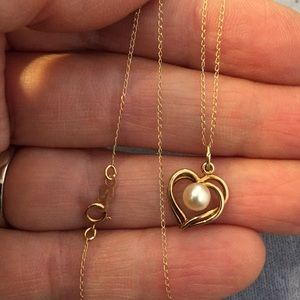 Jewelry - 10k yellow gold & Pearl - heart necklace